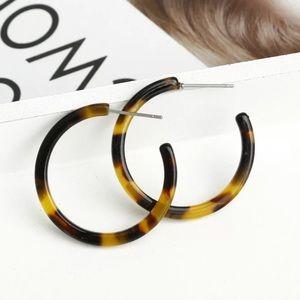 Jewelry - Tortoise shell acrylic hoop earrings NEW